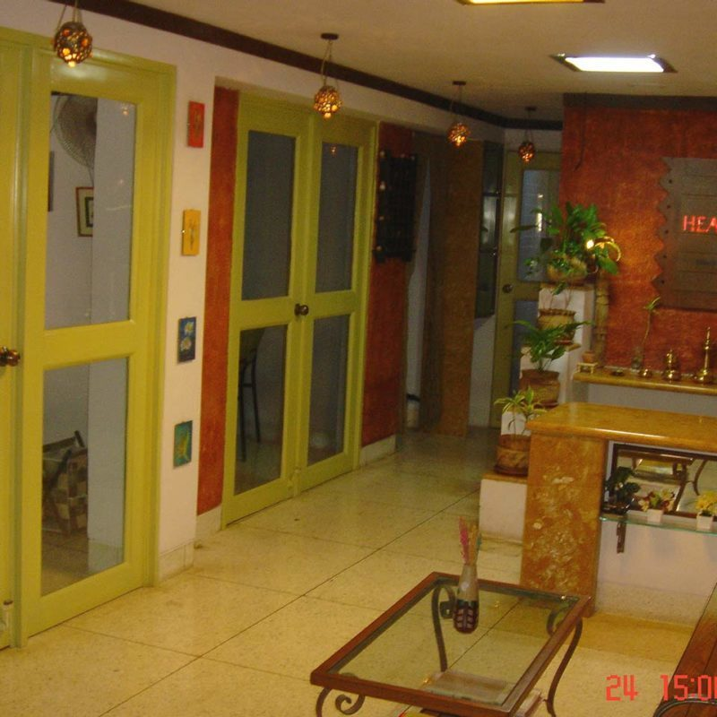 healin temple clinic interior